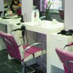 Création De Consoles Laquées Blanc Pour Un Salon De Coiffure