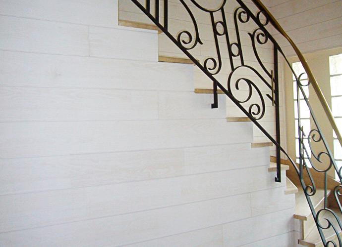 Habillage d\'un mur et d\'un escalier | David Ruel SARL
